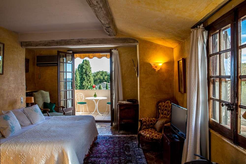 Vårt fina hotellrum från HotellLa Colombe d'Or.