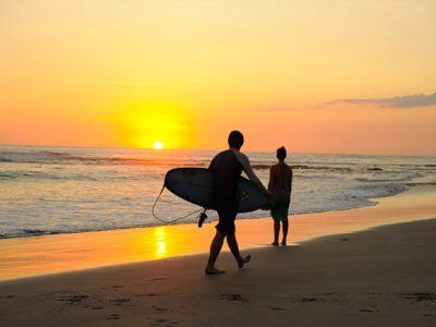 Surf, yoga  & rawfood