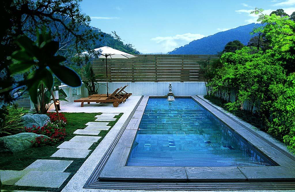 """Vår """"egen"""" lilla pool med vatten från varma källor."""