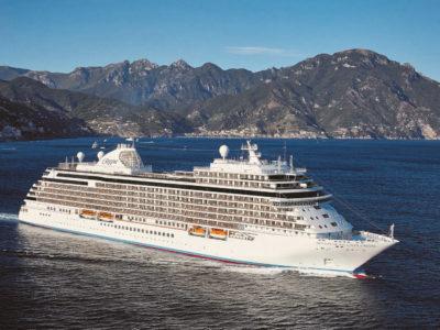 Regent Seven Seas Explorer – till havs