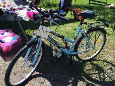 IDIOT som rotat på tomten! Cykel efterlyses!!